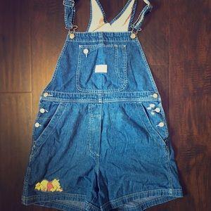 Vintage Winnie the Pooh overalls size medium
